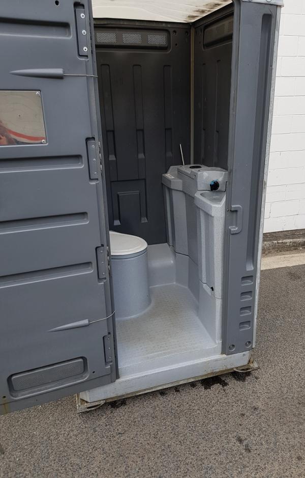Toilet - Portable toilet