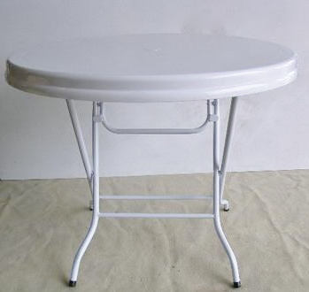 Table, Round (1.2m) Folding 4'